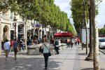 Meeting  Downtown Boy On The Champs-Elysées Paris